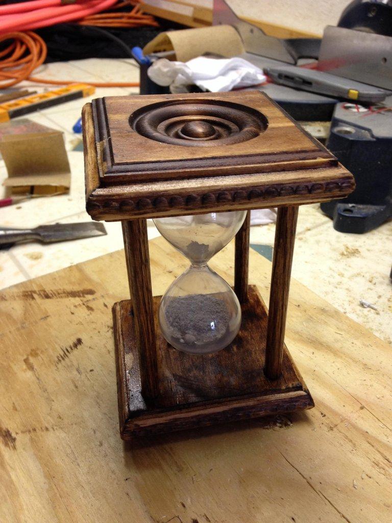 hourglass urn